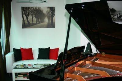 grand_piano_studio